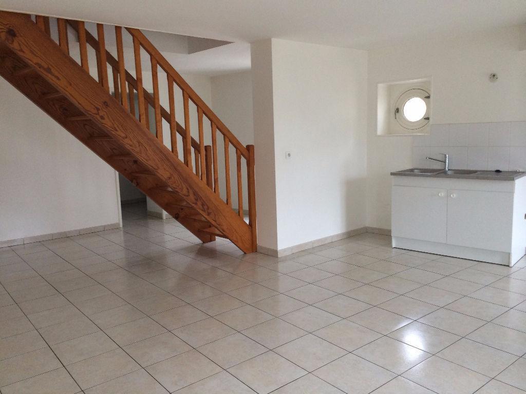 Appartement 2 pièces 67 m2 Doué-la-Fontaine