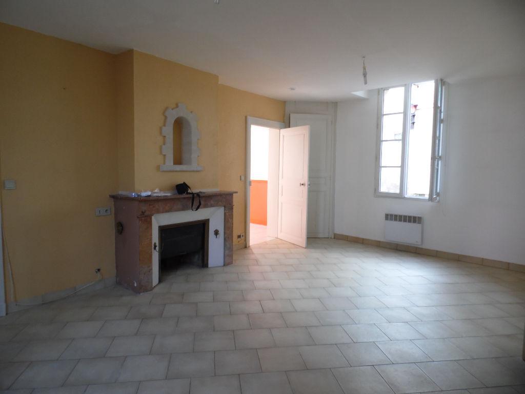 Appartement 3 pièces 65 m2 Doué-la-Fontaine