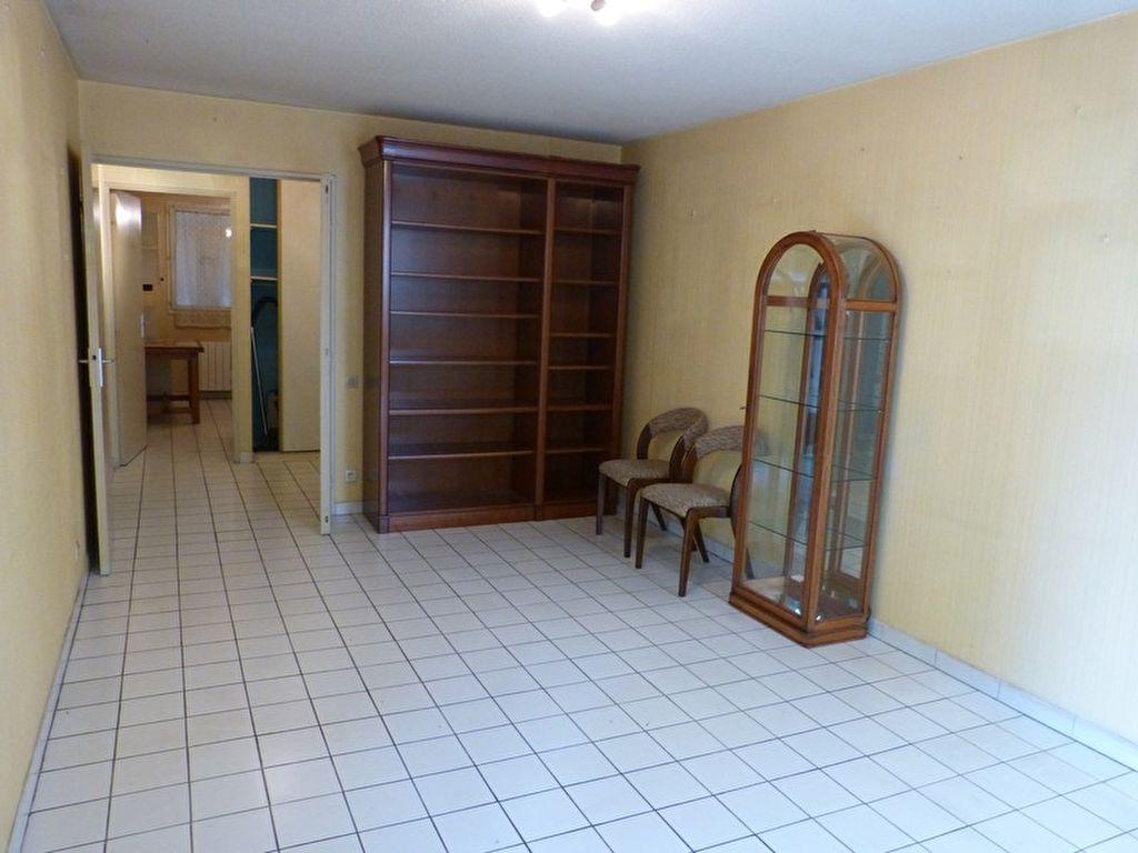 Appartement - 3 pièce(s) - 66 m² 106000 Nimes (30900)